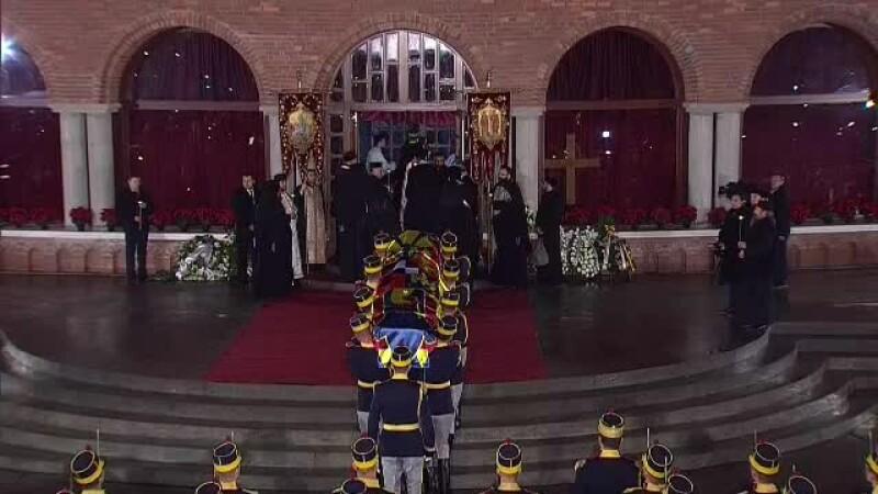 Regele Mihai la Mănăstirea Curtea de Arges