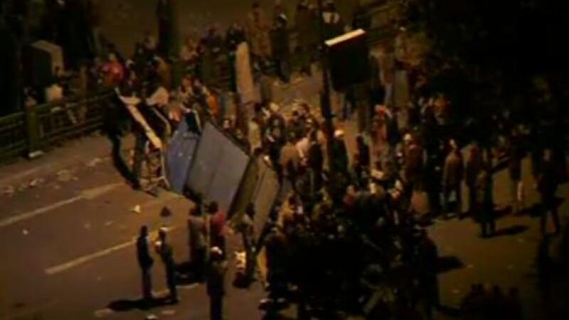 Egiptenii s-au batut cu egiptenii. Zi sangeroasa, din cauza lui Mubarak