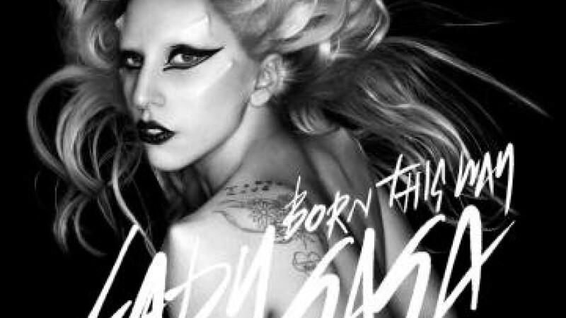 Lady GaGa fumeaza marijuana si bea cand compune piese noi. VIDEO