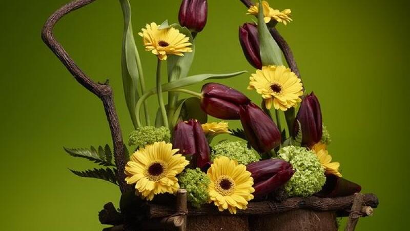 Extravagante de Ziua Femeii. Buchetele de flori pot ajunge pana la 1.000 de euro