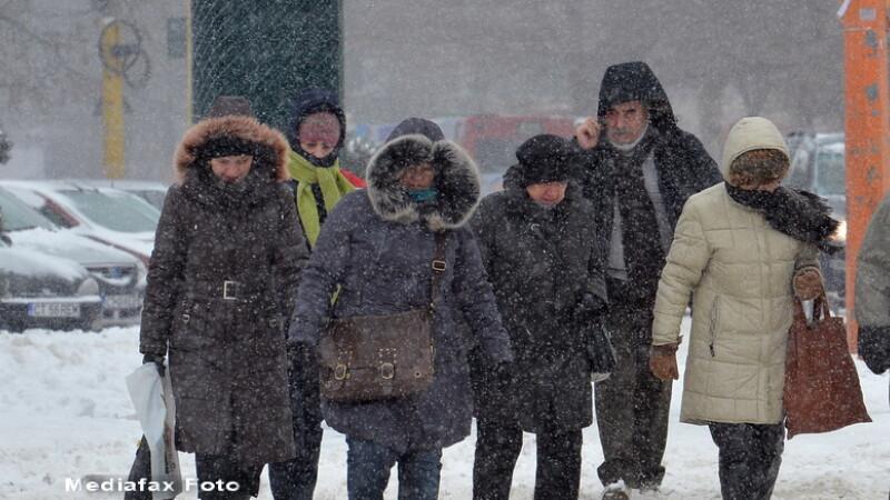 Romania a tremurat la minus 22 de grade Celsius sambata noapte. Meteorologii au vesti bune pentru duminica