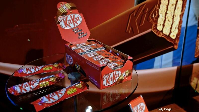 Si-a cumparat un KitKat, dar dupa ce a gustat din el a dat in judecata compania. Ce a nemultumit-o pe tanara britanica