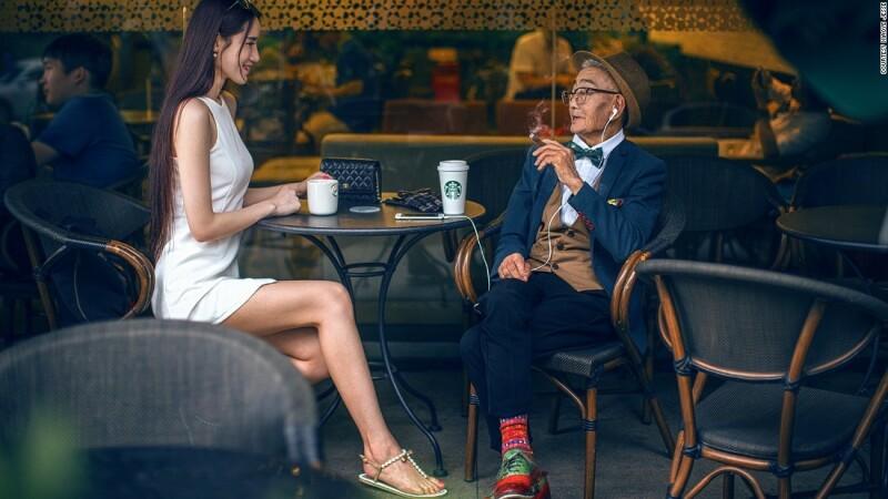 Un fermier de 85 de ani, din China, a fost transformat in fashion icon de nepotul sau. Imaginile s-au viralizat
