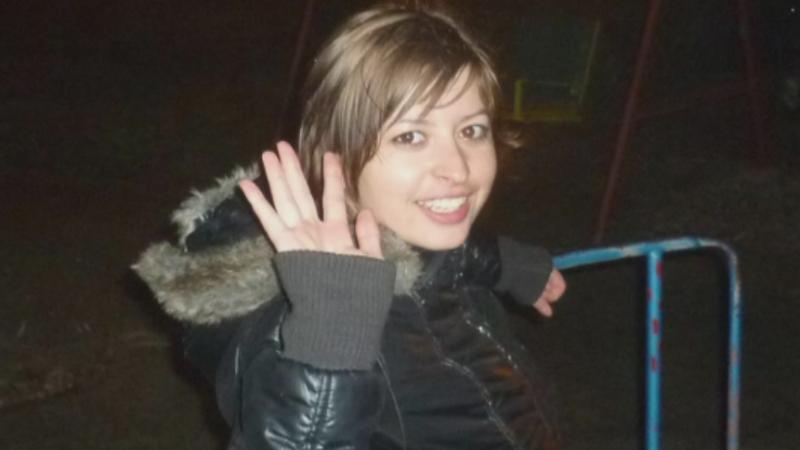O tanara a fost gasita moarta intr-un apartament inchiriat din Alba-Iulia. Vecinii spun ca lucra la un videochat