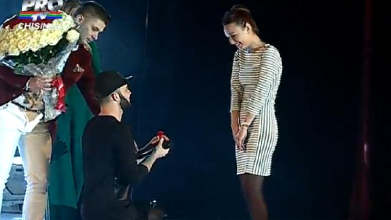 Un rapper din R. Moldova si-a cerut iubita in casatorie, pe scena. Care a fost raspunsul fetei dupa ce a izbucnit in plans