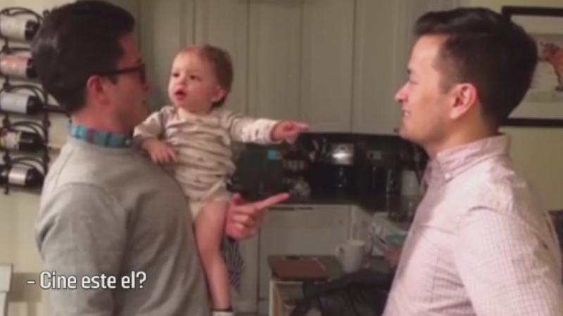 Confuzia unui baietel din SUA atunci cand il intalneste pentru prima data pe fratele geaman al tatalui sau