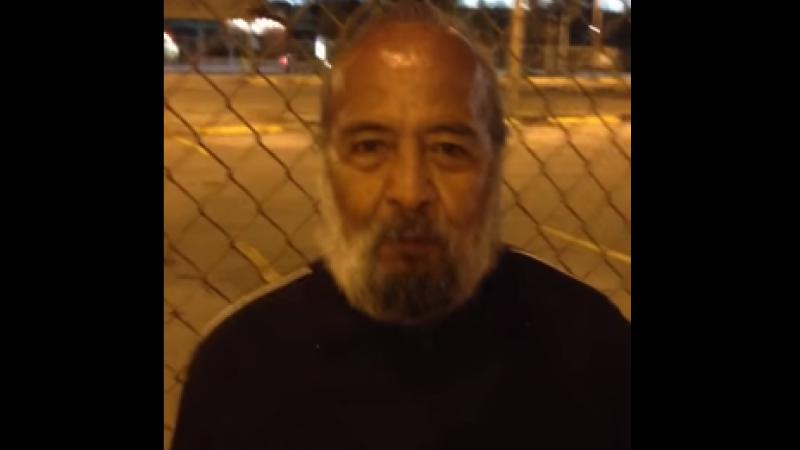 O straina l-a filmat si a postat video-ul pe Youtube. Cum s-a schimbat viata unui barbat ce locuia pe strazi in cateva zile