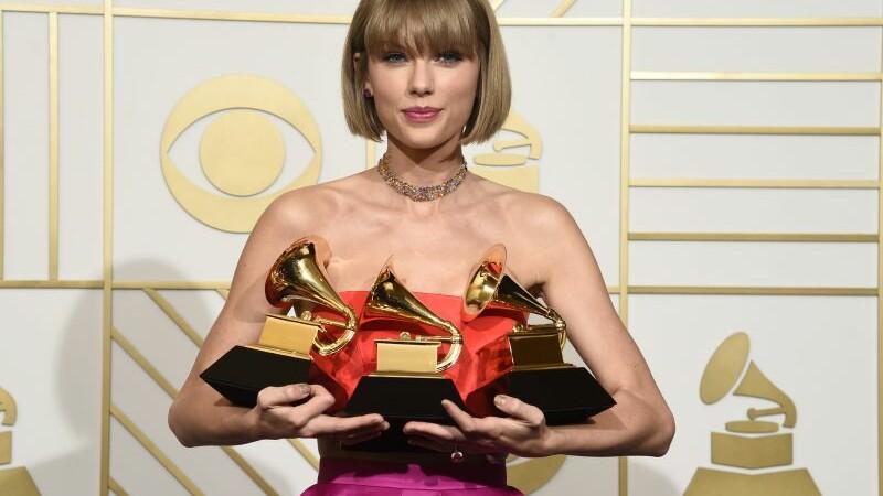 Premiile Grammy 2016. Lista principalilor castigatori. Albumul cantaretei Taylor Swift, cel mai bun al anului