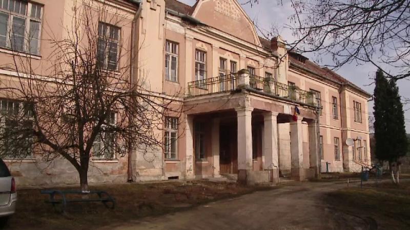Spital din Cluj ajuns in ruina din cauza indiferentei autoritatilor.