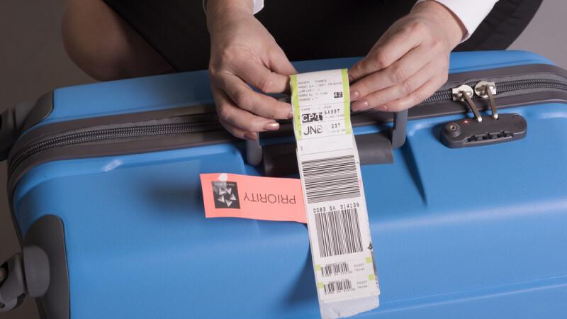 Bateriile Li-Ion NU mai sunt permise in bagajele de cala de la 1 aprilie. Cum vor putea fi transportate in continuare