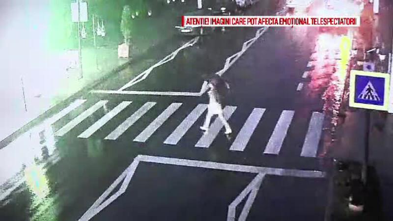 O batrana a fost lovita de ambulanta pe trecerea de pietoni, in Baia Sprie. Tot accidentul a fost filmat