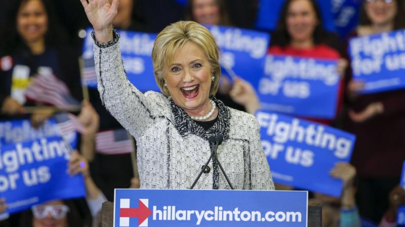 Victorie zdrobitoare a lui Hillary Clinton in alegerile primare din South Carolina. Sanders si-a recunoscut infrangerea