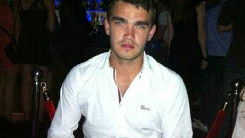 Un fost fotbalist de la Chelsea a murit dupa ce a baut opt shot-uri de vodka. Dezvaluirea facuta de iubita lui