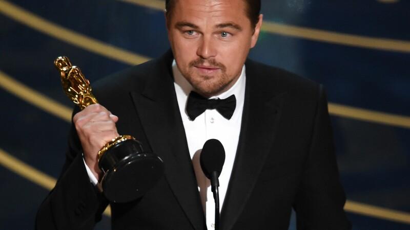 O imagine din copilaria lui Leonardo DiCaprio a starnit o cearta in mii de comentarii. Detaliul observat de internauti