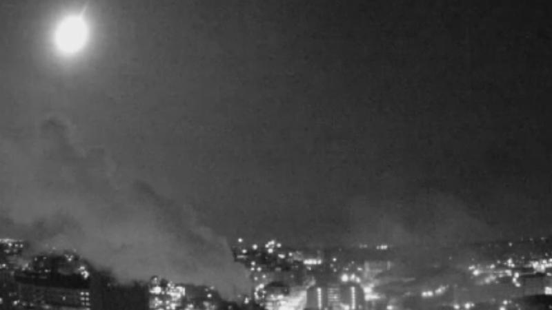 Aparitie spectaculoasa pe cer, in SUA. Caderea unui meteorit, surprinsa de mai multe camere de supraveghere. VIDEO