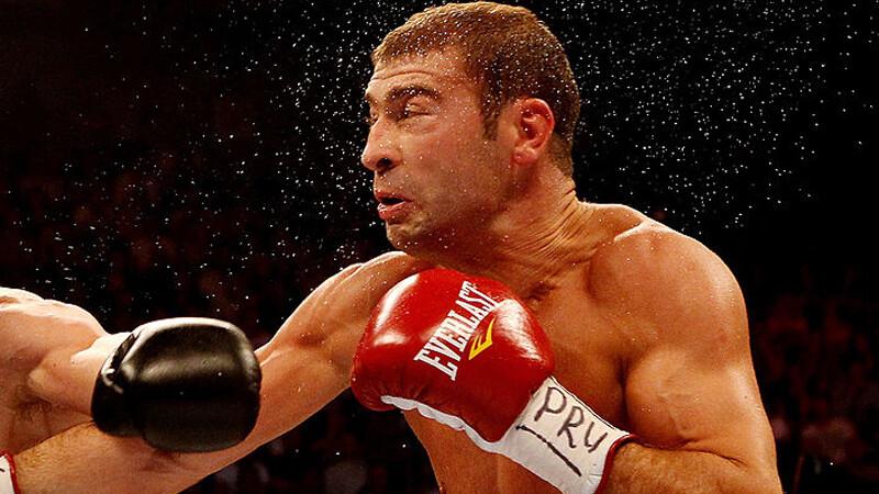 Lucian Bute a fost invins de Eleider Alvarez prin KO tehnic.