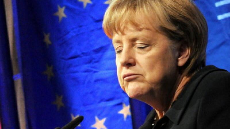 Colapsul zonei euro incepe in 2012. Doua tari vor renunta la moneda unica. Cand se va destrama totul