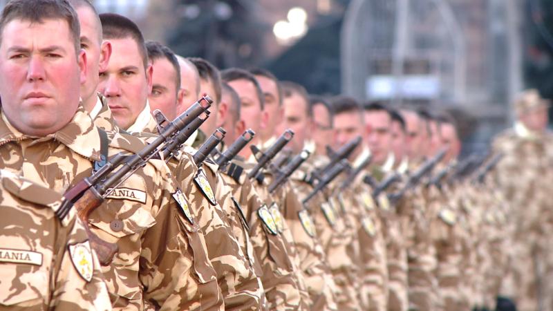 Scorpionii Galbeni isi iau ramas bun de la familii si pleaca in misiune, in Afganistan