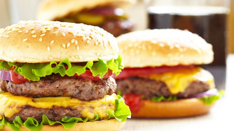 A mancat numai de la fast food timp de 10 zile, iar ce a descoperit e incredibil: