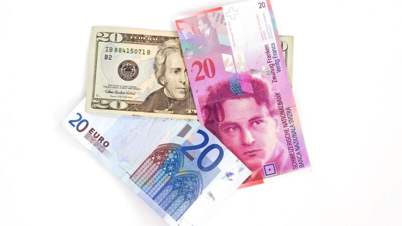 Sfarsitul de saptamana vine cu scaderi pe linie in cursul BNR. Cat costa azi 1 EURO, 1 FRANC sau 1 DOLAR