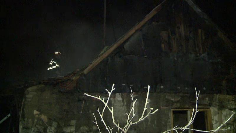 Incendiu intr-un cartier din Arad. Un barbat a murit in propria casa dupa ce locuinta i-a luat foc
