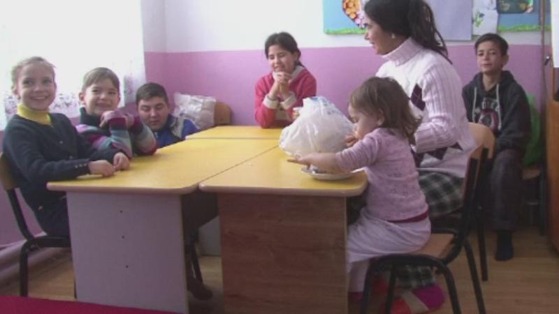 Un primar ofera gratuit case renovate si locuri de munca familiilor cu copii. Le pune in schimb o singura conditie
