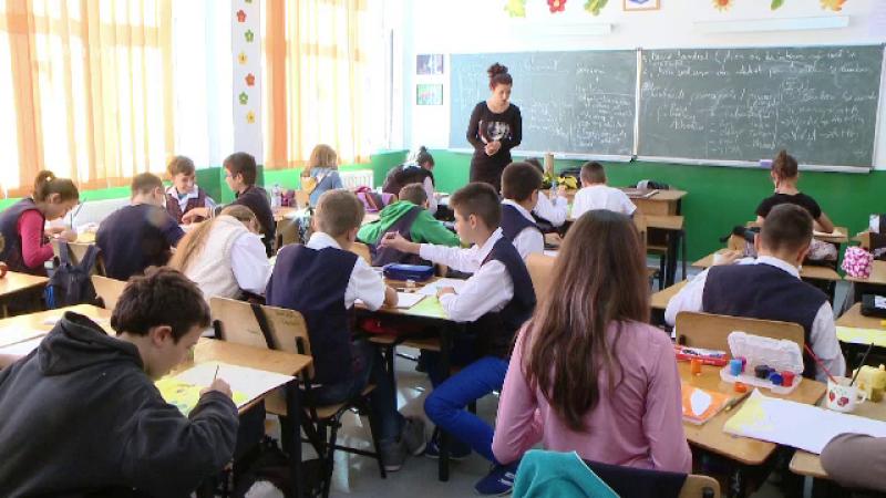 Elevii vor sa-si evalueze profesorii si sa isi poata contesta notele. Revendicarile inaintate catre Ministerul Educatiei