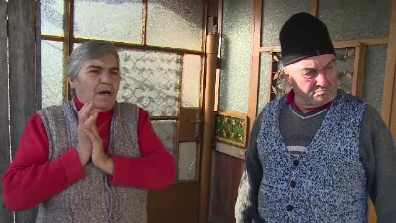 Metoda ingenioasa prin care doi indivizi au intrat in casa unor batrani din Dambovita si le-au furat toti banii