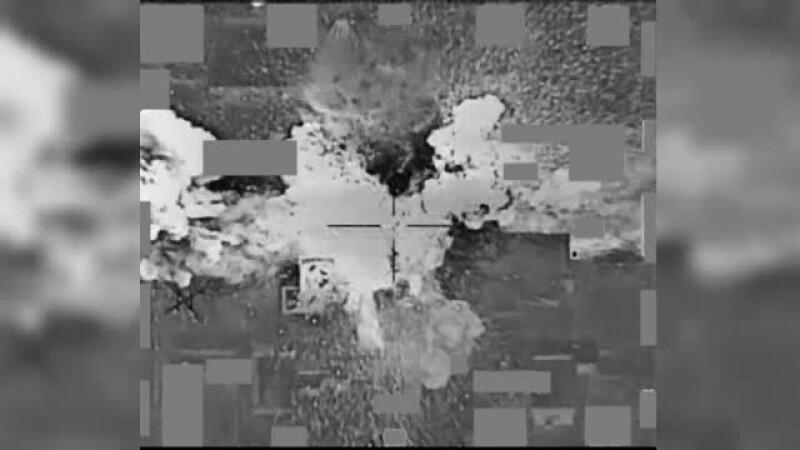 Momentul in care mai multe camioane ale Statului Islamic sunt aruncate in aer, in Siria, de catre fortele speciale britanice