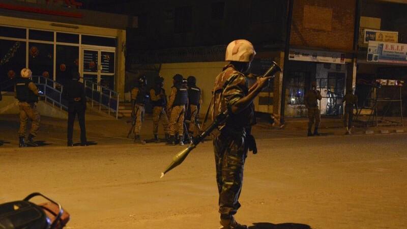 Atentat terorist in Burkina Faso: 27 de persoane au fost ucise. Ce grupare a pus la cale atacul