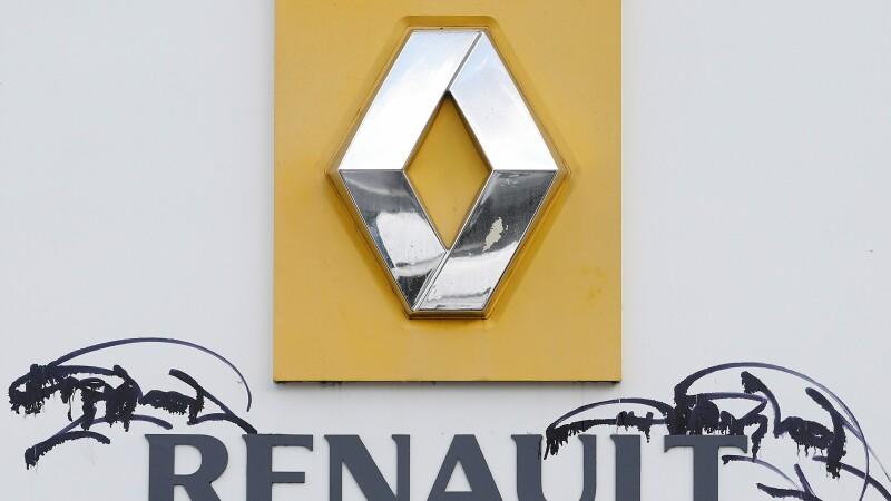 Renault confirma ca recheama 15.000 de masini, dar dezminte ca 700.000 de vehicule sunt vizate de o actualizare de soft