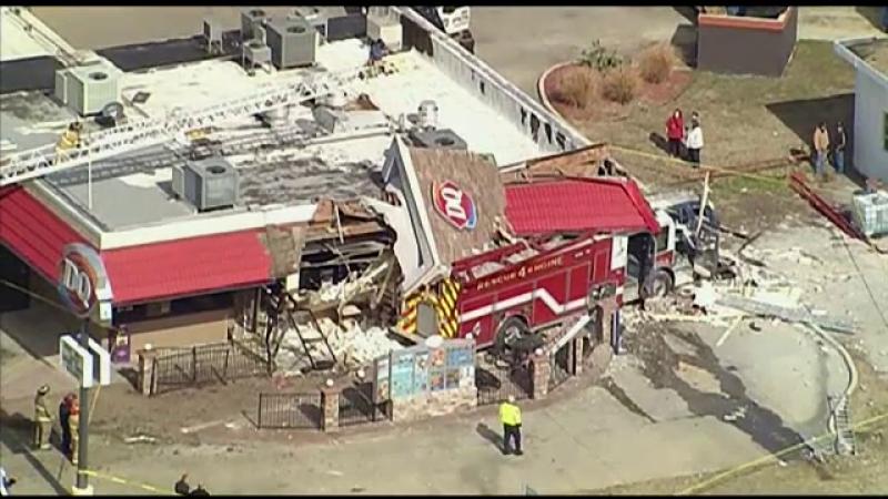 Accident de proportii in Texas. Ce s-a intamplat dupa ce soferul unei masini de pompieri a pierdut controlul volanului