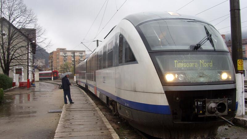 Dupa caldura si zapezi, CFR anuleaza trenurile si din cauza gerului.