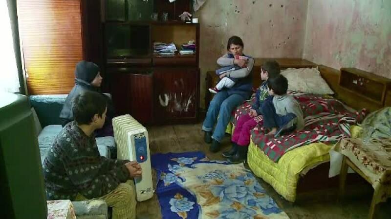 Situatie dramatica pentru 5 copii din judetul Cluj. Cum au ajuns sa traiasca intr-o scoala dezafectata si din ajutor social