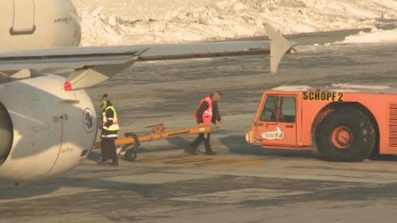 Greva anuntata vineri pe aeroportul Otopeni a fost amanata. Decizia luata de instantele din Romania