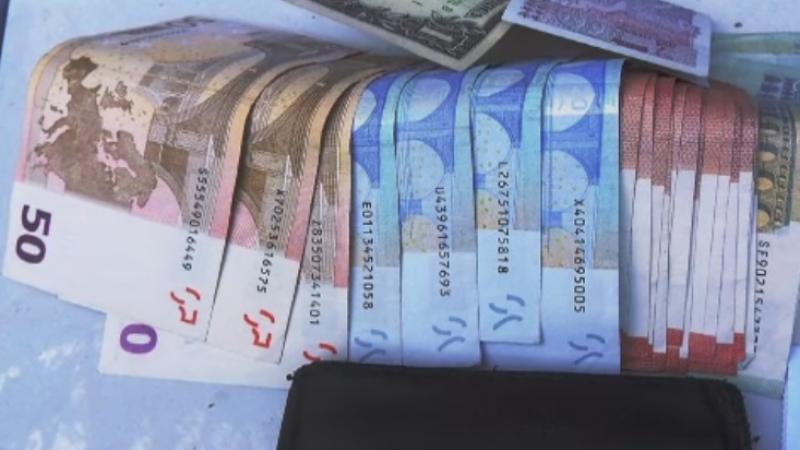 Bani falsi pusi in circulatie in judetele Caras-Severin, Timis si Olt. Sumele pe care le-au gasit anchetatorii la perchezitii