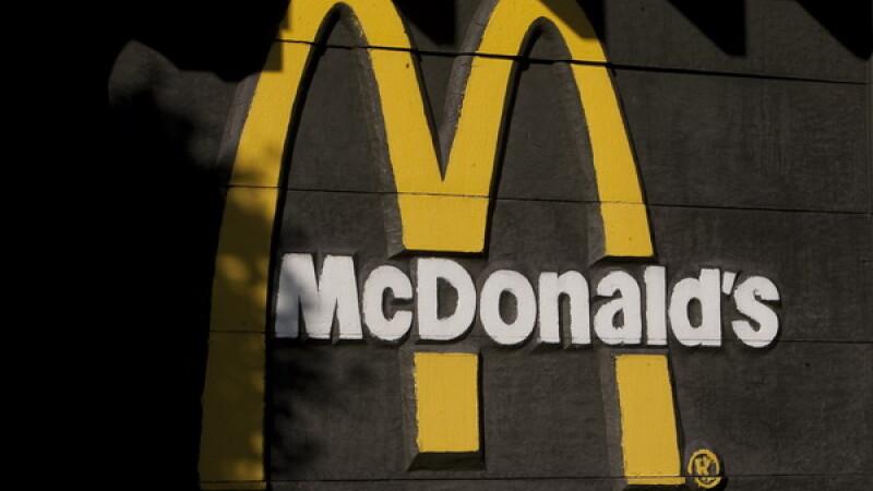 Ocolul Pamantului in 53 de restaurante McDonald's. Aventura culinara a unui canadian pentru a descoperi specialitatile locale