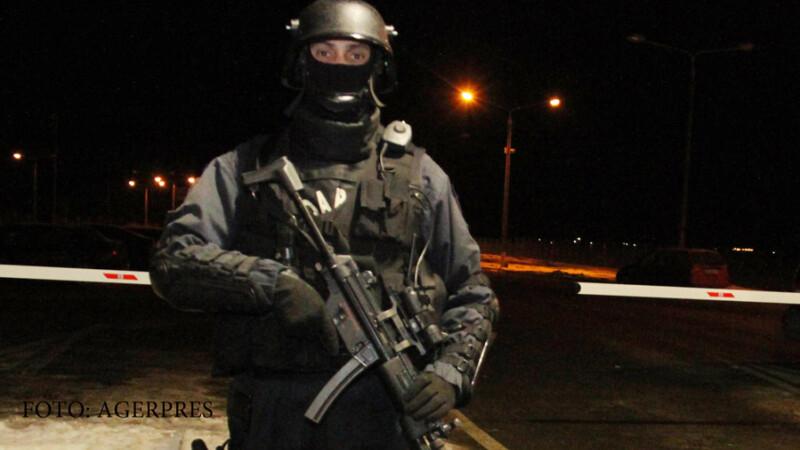 Ancheta a politiei, dupa ce o nunta din Gorj s-a terminat cu focuri de arma. Ce au gasit oamenii legii in casele nuntasilor