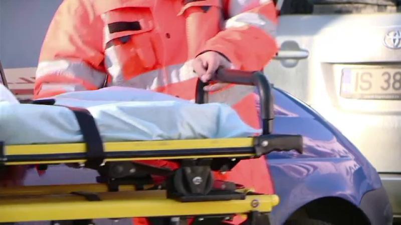 Doi suceveni au ajuns la spital, impuscati accidental de un paznic. Cum ii gasise cu cateva minute inainte de incident