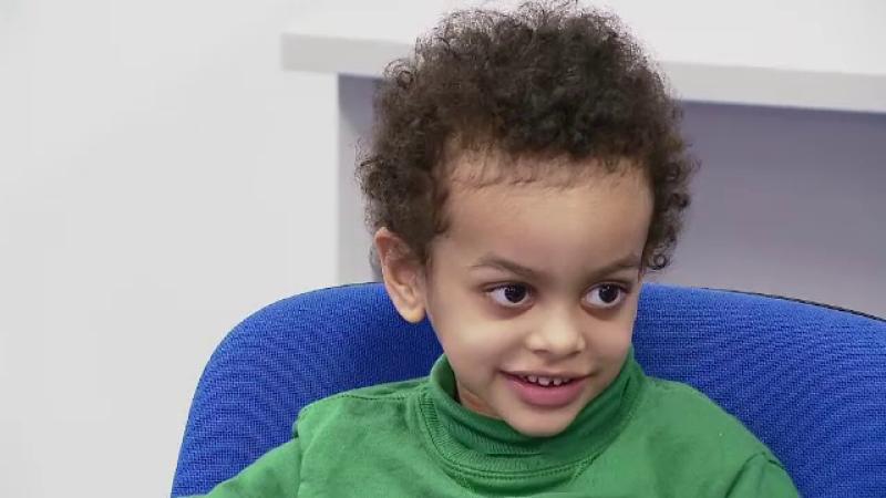 Un baietel cu o malformatie care il impiedica sa manance, salvat de o operatie unica in Romania. Ce a spus dupa interventie
