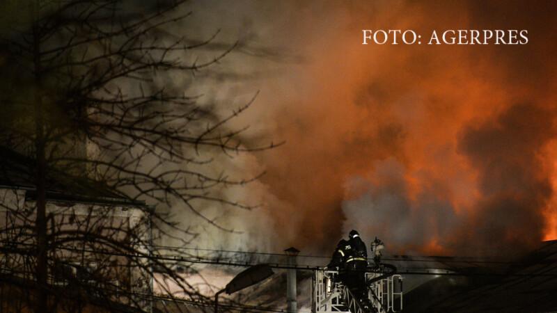 Incendiu urias cu cel putin 12 morti, in Moscova. Printre victime ar fi si un bebelus VIDEO