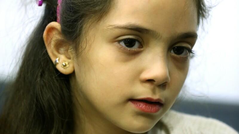 Fetita siriana care publica mesaje pe Twitter din mijlocul bombardamentelor din Alep va scrie o carte. Cand va aparea
