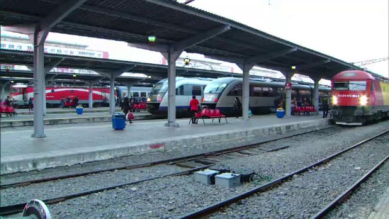 Studentii din Romania vor putea calatori gratuit cu trenul in orice directie, nelimitat. Ce conditie trebuie sa indeplineasca