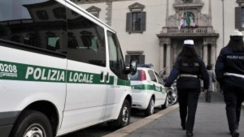 Un roman a patruns cu masina pe contrasens, pe o autostrada din Italia, provocand un grav accident
