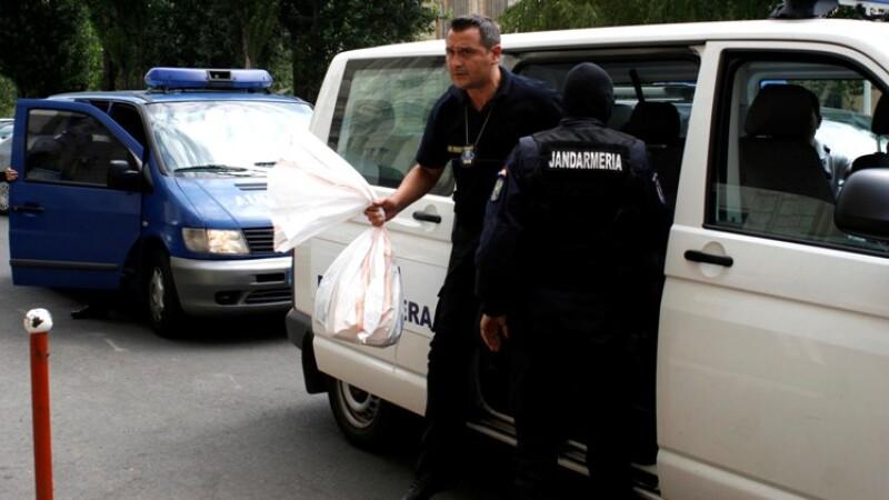 Descinderi la o grupare de proxeneti din Timisoara. 19 persoane au fost ridicate si duse la audieri