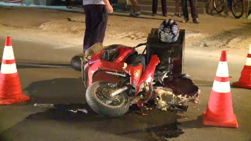 Accident grav pe Bulevardul Pipera: Un tanar care facea livrari de pizza cu scuterul a scapat ca prin minune