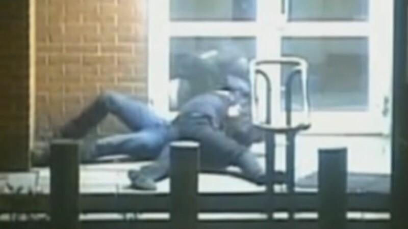 Statele Unite au expulzat doi oficiali rusi dupa atacul unui politist rus asupra unui diplomat american in Moscova. VIDEO