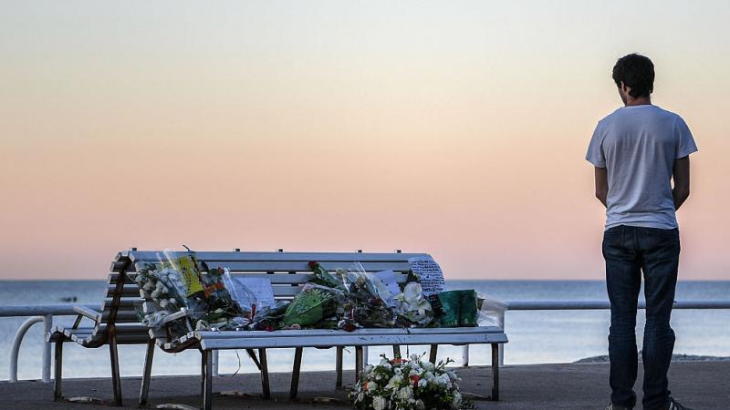 Suferinta barbatului care si-a pierdut aproape toata familia in atentatul de la Nisa: