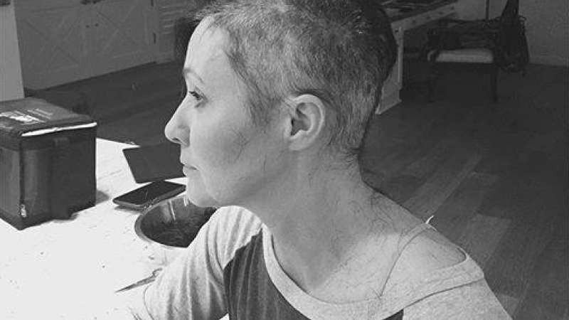 Shannen Doherty, fotografiata la 24 de ore dupa ce a reinceput sedintele de chimioterapie. Mesajul emotionant al actritei