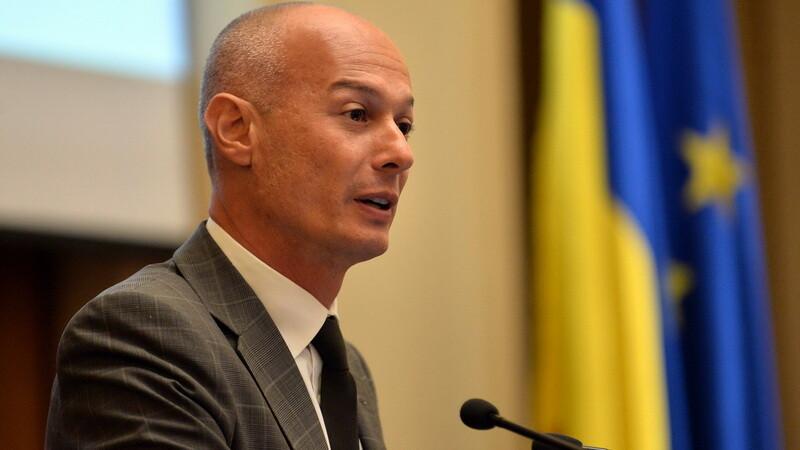 Bogdan Olteanu si-a depus demisia din functia de guvernator al BNR. Vasile Blaga: Postul acesta li se cuvine liberalilor
